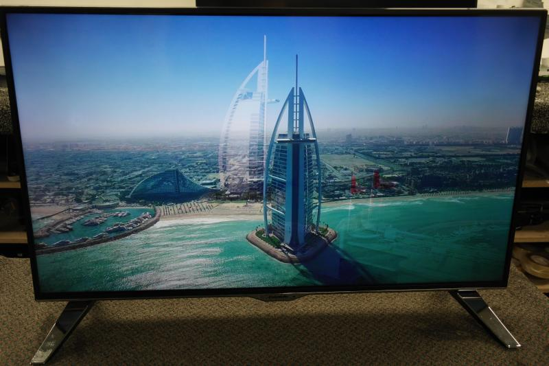 "40"" Panasonic TX-40CX400B Ultra HD 4K Freeview HD Smart 3D LED TV"
